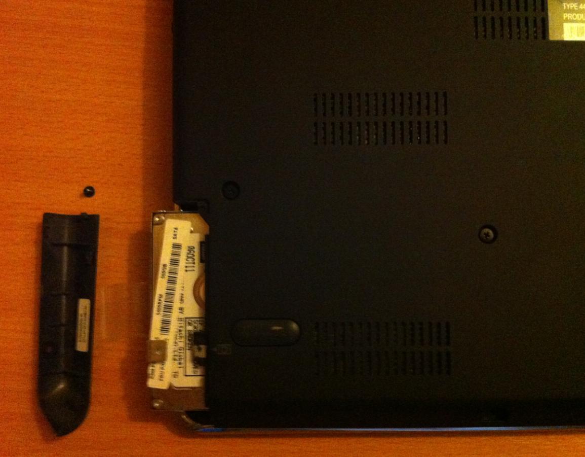 Cum se inlocuieste HDD la LENOVO ThinkPad E420s out