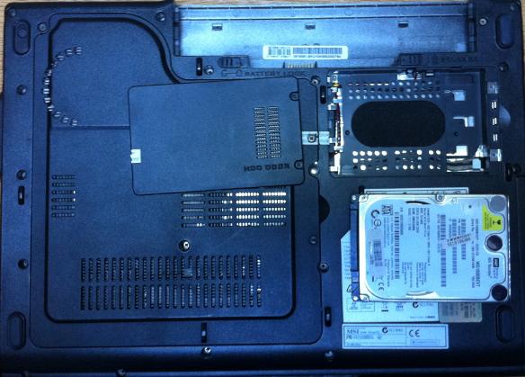 Înlocuire HDD laptop MSI EX600 capac alt hdd